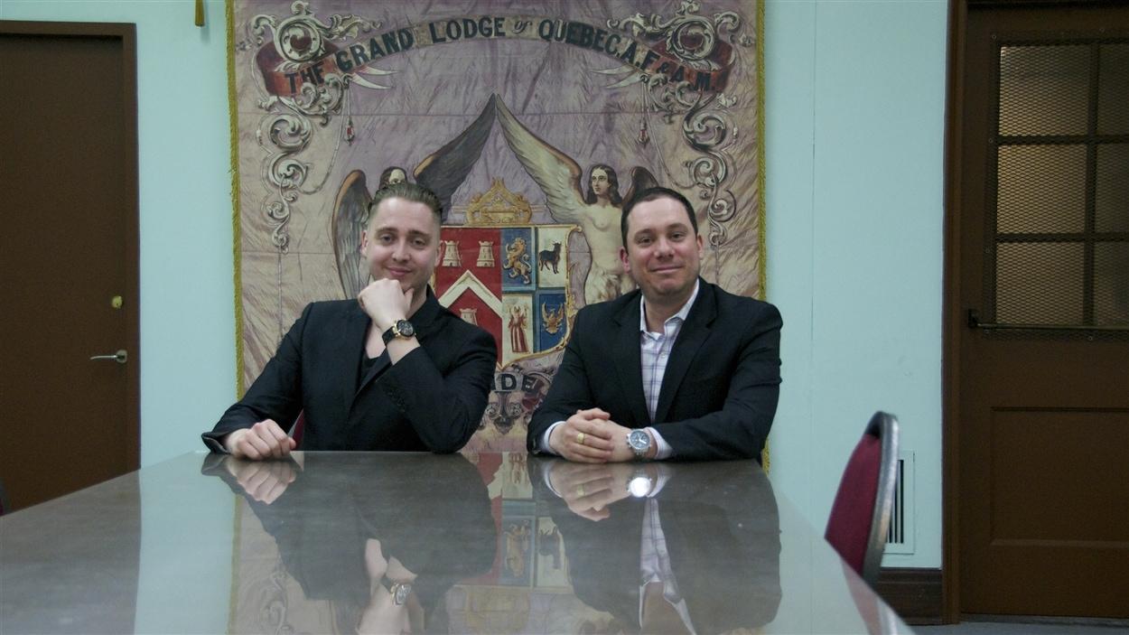 Sébastien Marcon et François Beaudry, vénérable maître élu et vénérable maître respectivement de la Loge des coeurs-unis