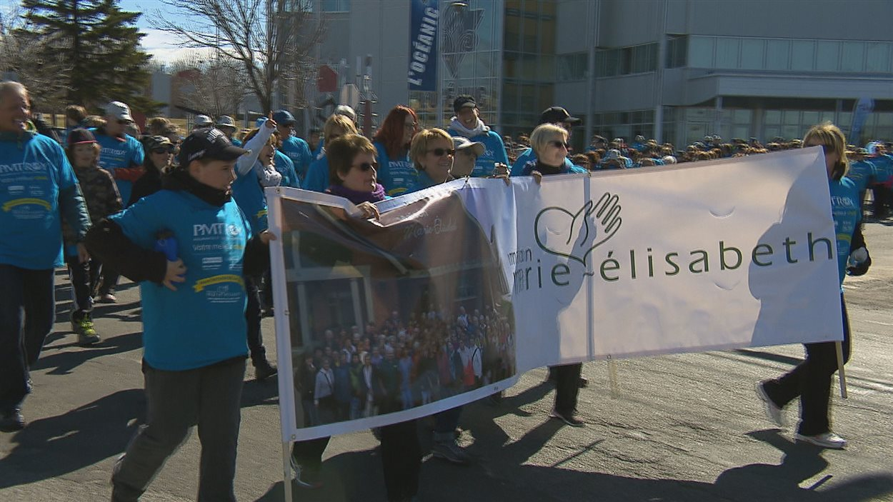 Des centaines de personnes marchent en soutien à la maison de fin de vie Marie-Élisabeth de Rimouski