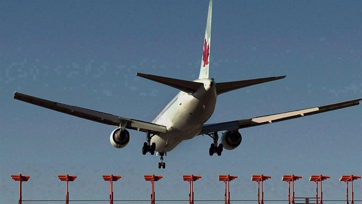 Les députés québécois du PLC sont critiqués en ce qui a trait au projet de loi sur Air Canada.