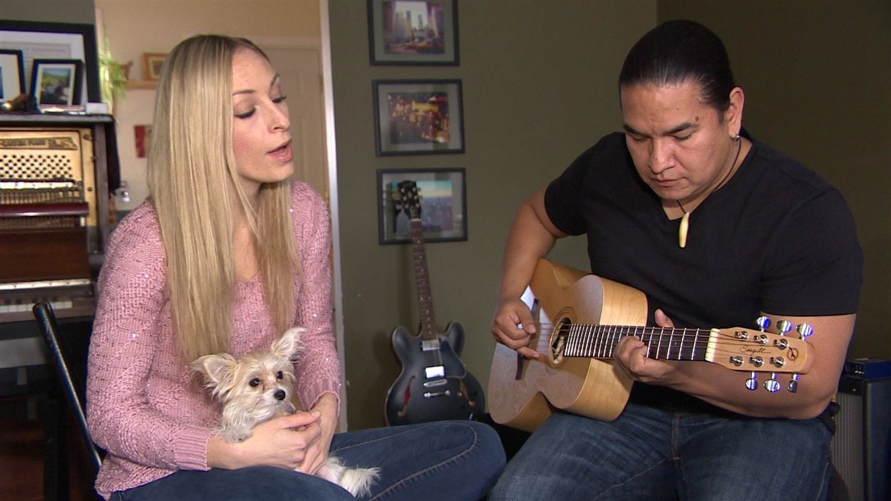 La musicienne francométisse Nadia Gaudet et le musicien cri Jason Burnstick ont reçu trois nominations au Western Canada Music Awards 2016 pour leur album trilingue de berceuses pour enfants.