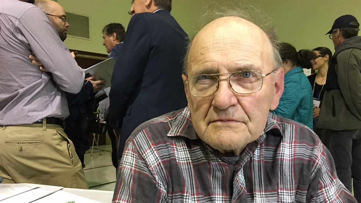 Raymond Lalonde, un résident de L'Orignal, s'oppose au projet.