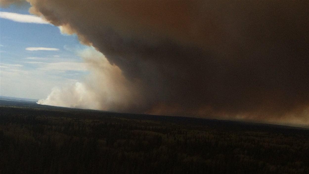 L'incendie de Siphon Creek au nord-est de la Colombie-Britannique.