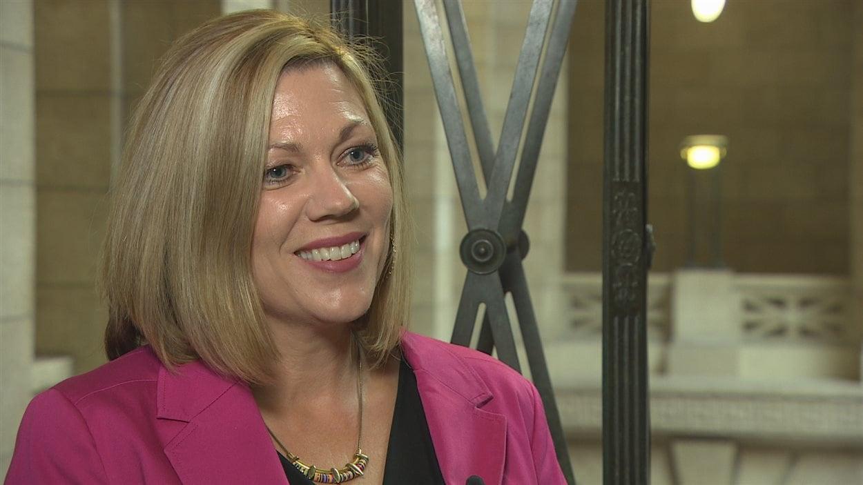 La ministre des Affaires francophones du Manitoba, Rochelle Squires, également ministre du Sport, de la Culture et du Patrimoine et ministre responsable de la Condition féminine.