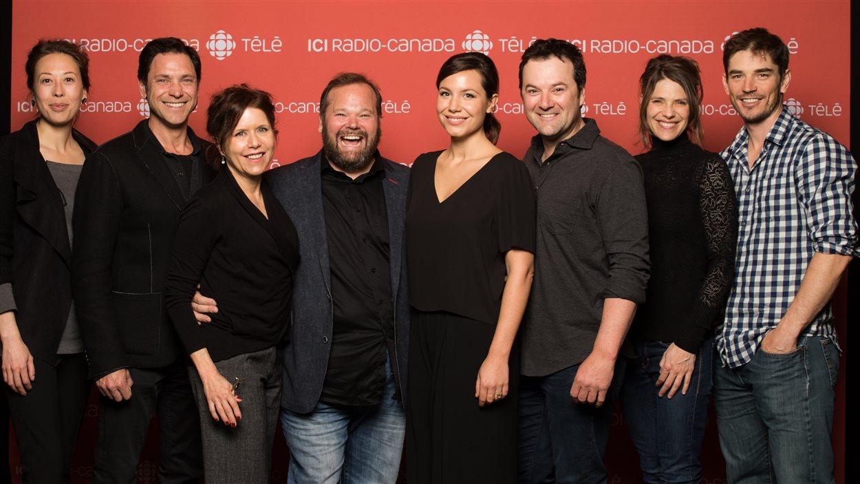 Les comédiens de District 31 :Cynthia Wu-Maheux, Patrick Labbé, Pascale Montpetit, Michel Charette, Magalie Lépine-Blondeau, Jeff Boudreau, Hélène Florent, Sébastien Delorme.