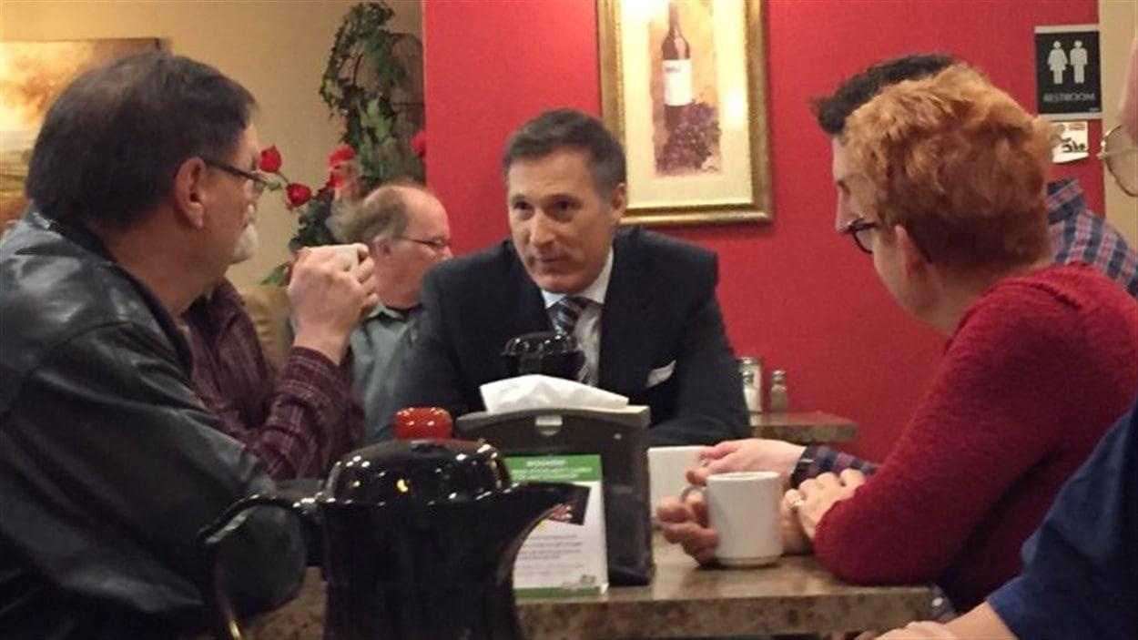 Maxime Bernier rencontre des militants conservateurs à Regina