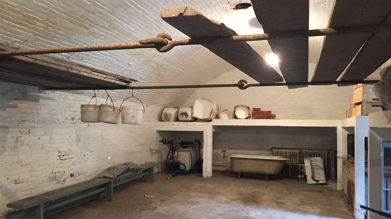 Peu de gens ont pu entrer dans le caveau qui abritait les récoltes servant à nourrir les religieuses et leurs patients.