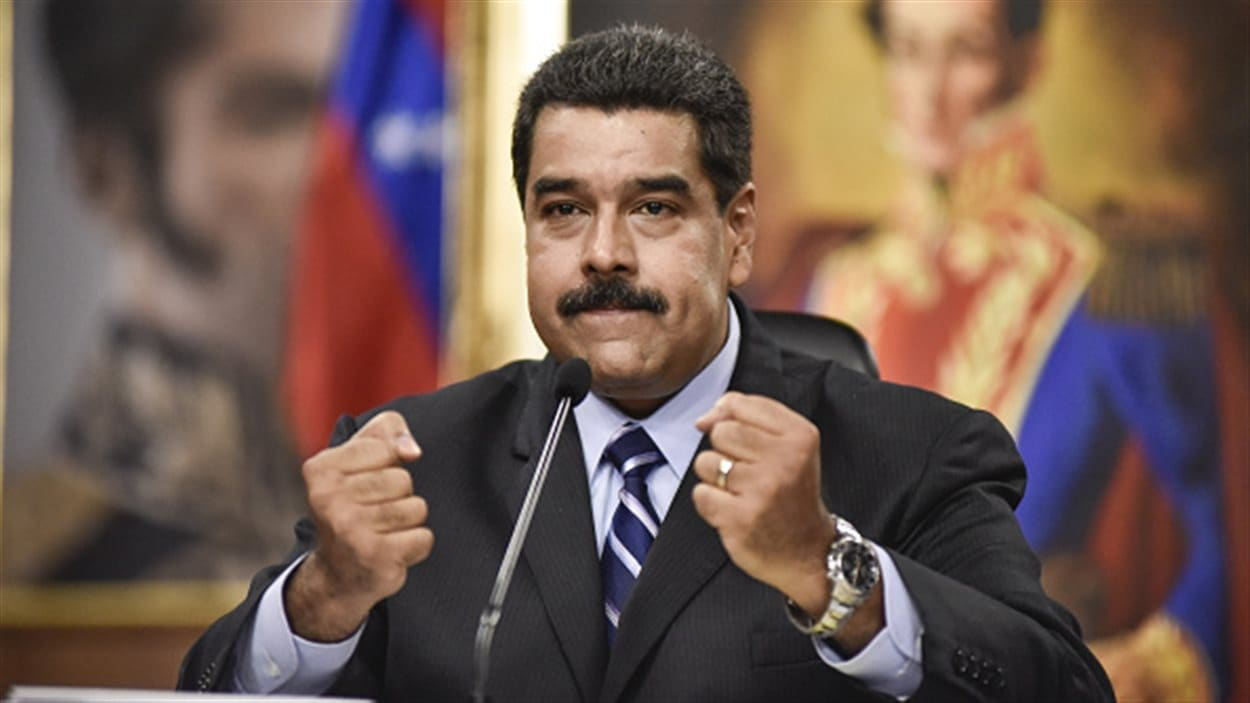 Le président Nicolas Maduro tient une conférence de presse à Caracas le 17 mai 2016.