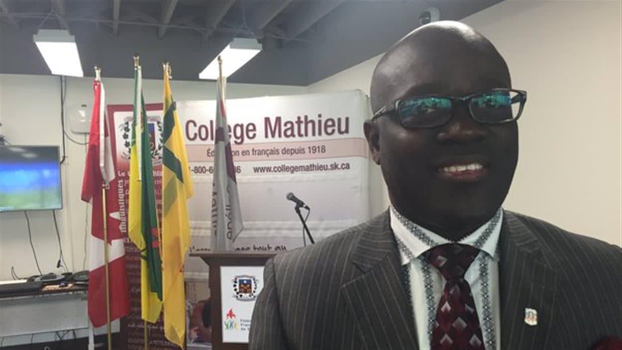 Le directeur général du Collège Mathieu Francis Kasongo
