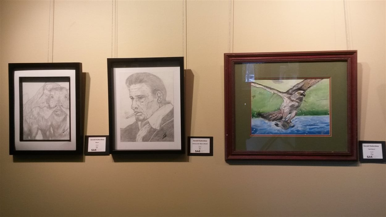 Des oeuvres de Gérald Huberdeau en exposition au Conseil des arts de Steinbach.