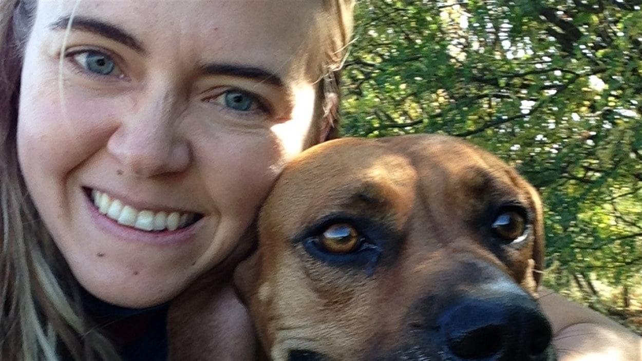 Marie-Claire fait du bénévolat à la Société pour la prévention de la cruauté envers les animaux (SPCA).