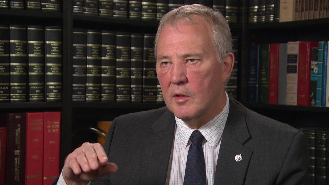 Le secrétaire parlementaire de la ministre de la Justice et ancien chef de la police de Toronto, Bill Blair.