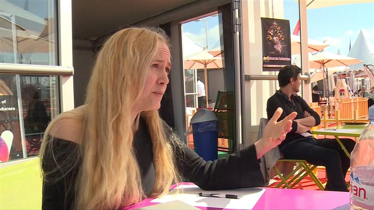 La réalisatrice québécois Yanie Dupont-Hébert est à Cannes pour tenter de trouver un producteur français pour son film Lola et moi.