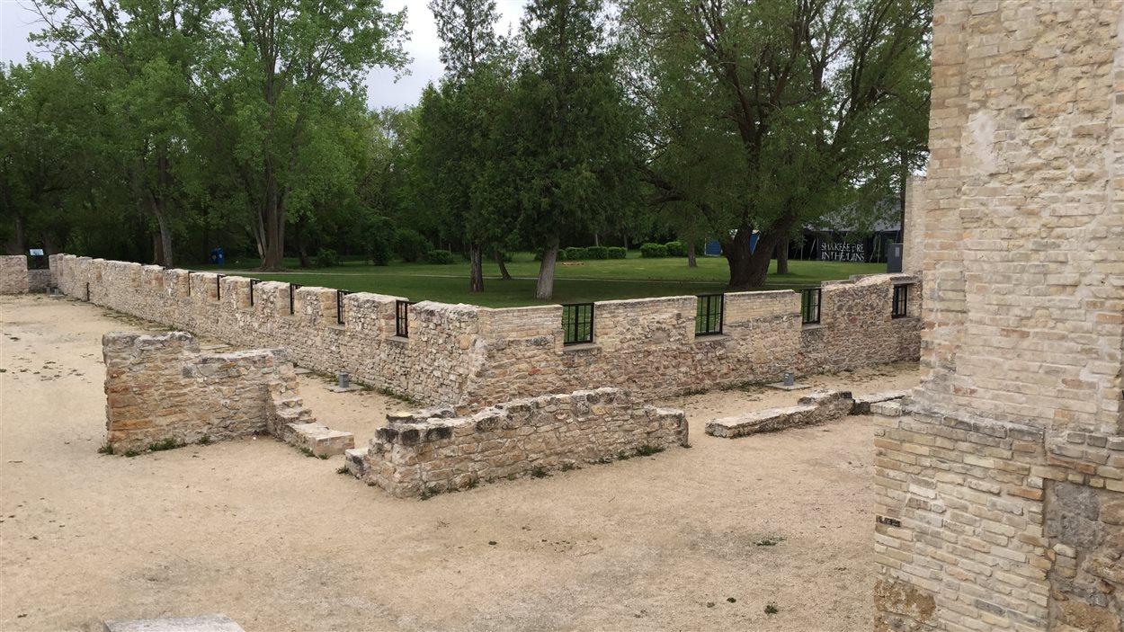 Les ruines du monastère des Trappistes de Saint-Norbert. En 2002, la province du Manitoba a transformé l'endroit en parc provincial de deux hectares.