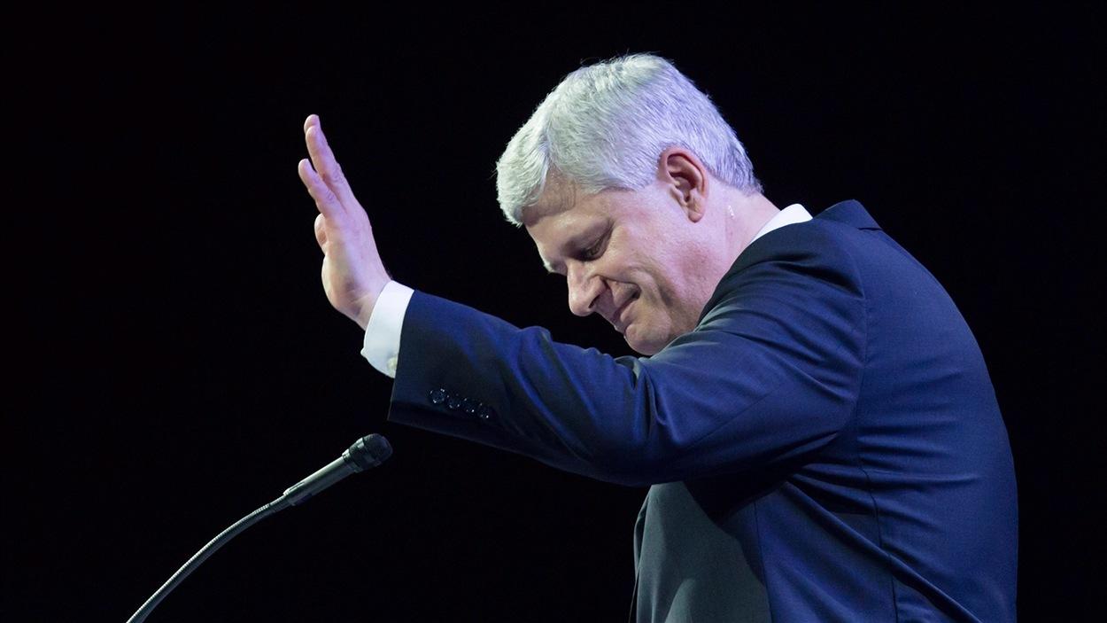 L'ex-premier ministre Stephen Harper lors de son discours d'adieux