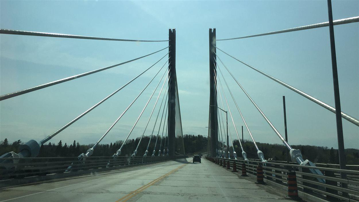 Le pont de la rivière Nipigon.