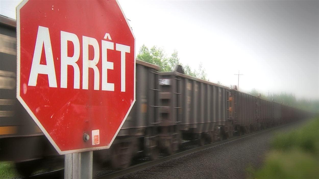 Le train d'ArcelorMittal qui achemine le minerai de fer.