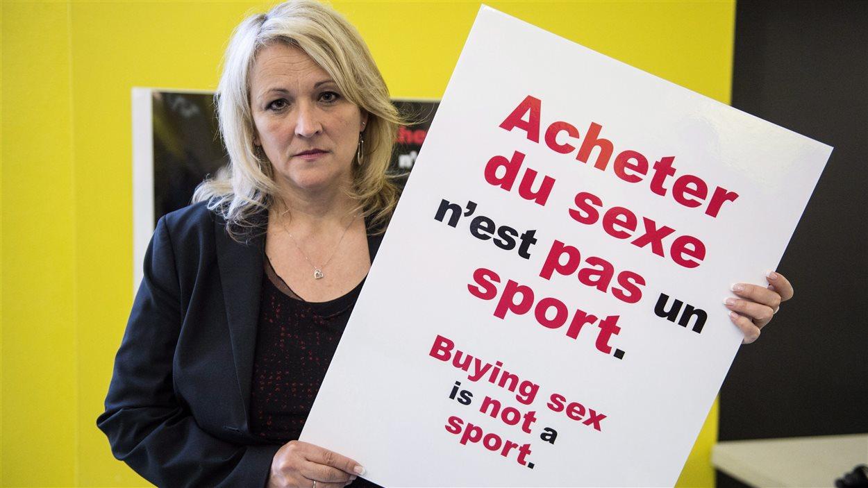 La ministre Lise Thériault a aidé à lancer la campagne contre l'exploitation sexuelle durant le Grand Prix de Montréal.