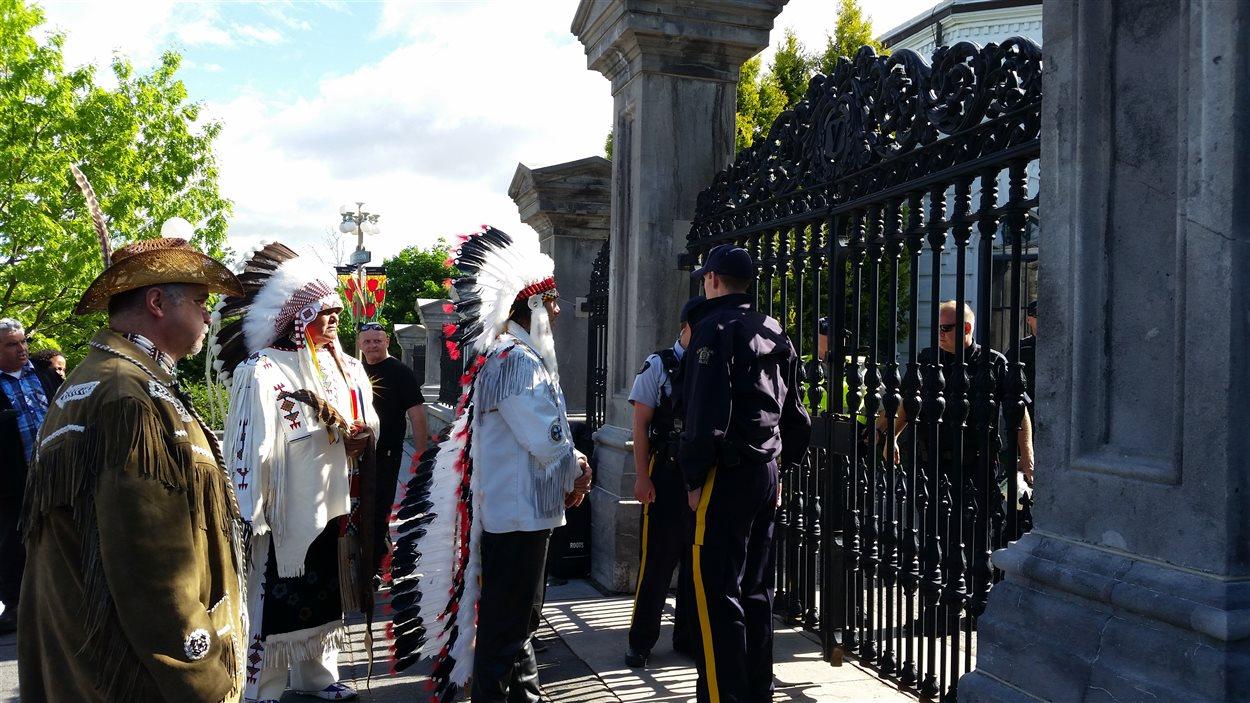 Les manifestants se sont rendus à Rideau Hall.