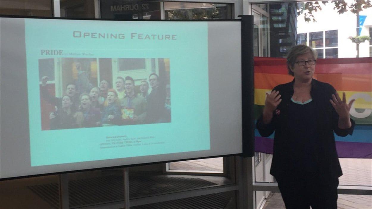 Dévoilement de la programmation du Festival de film Queer North, à Sudbury, par l'organisatrice Beth Mairs.