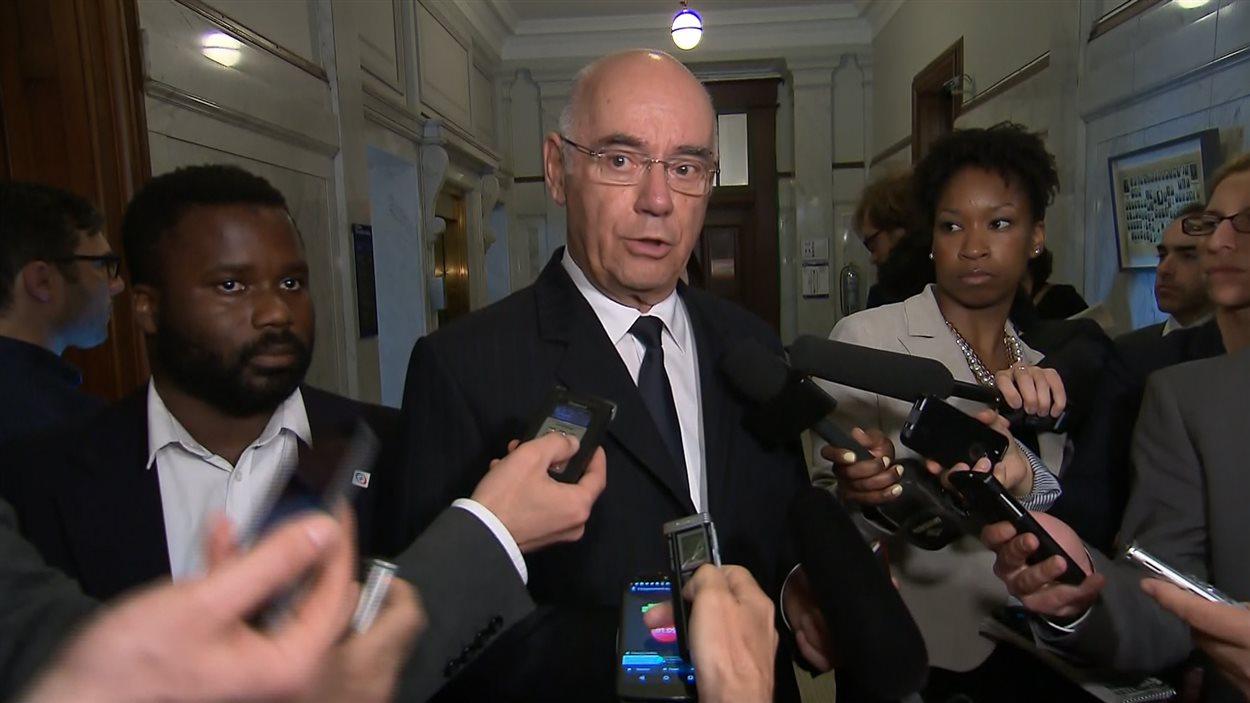 Le ministre Jacques Daoust a annoncé que son gouvernement se donnait 90 jours pour négocier un projet pilote avec Uber.