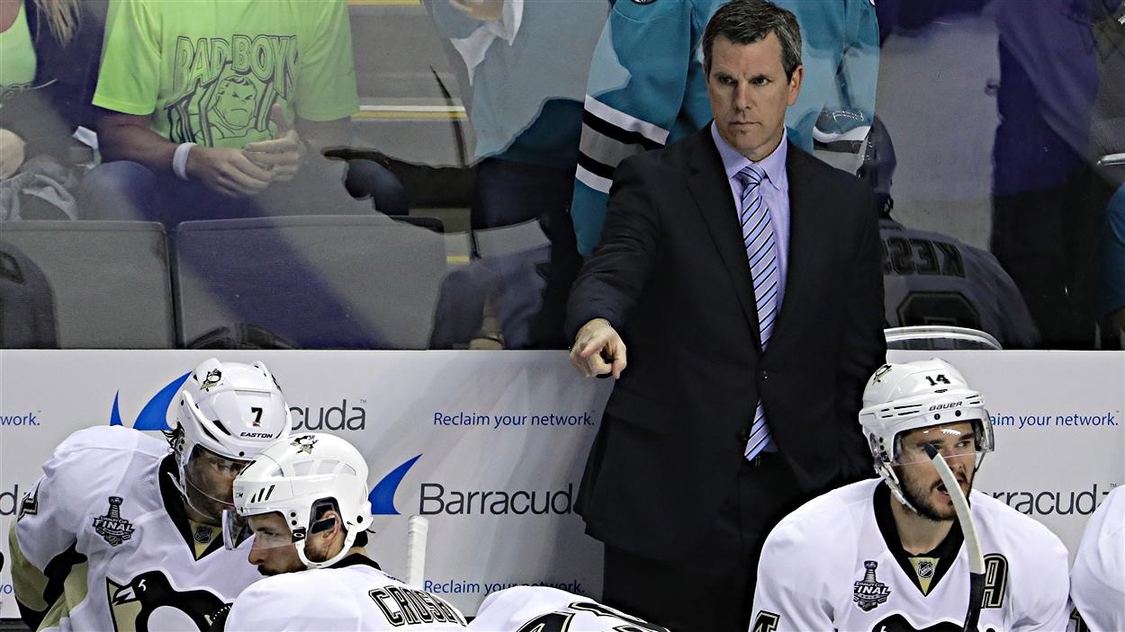 Mike Sullivan, entraîneur-chef des Penguins de Pittsburgh