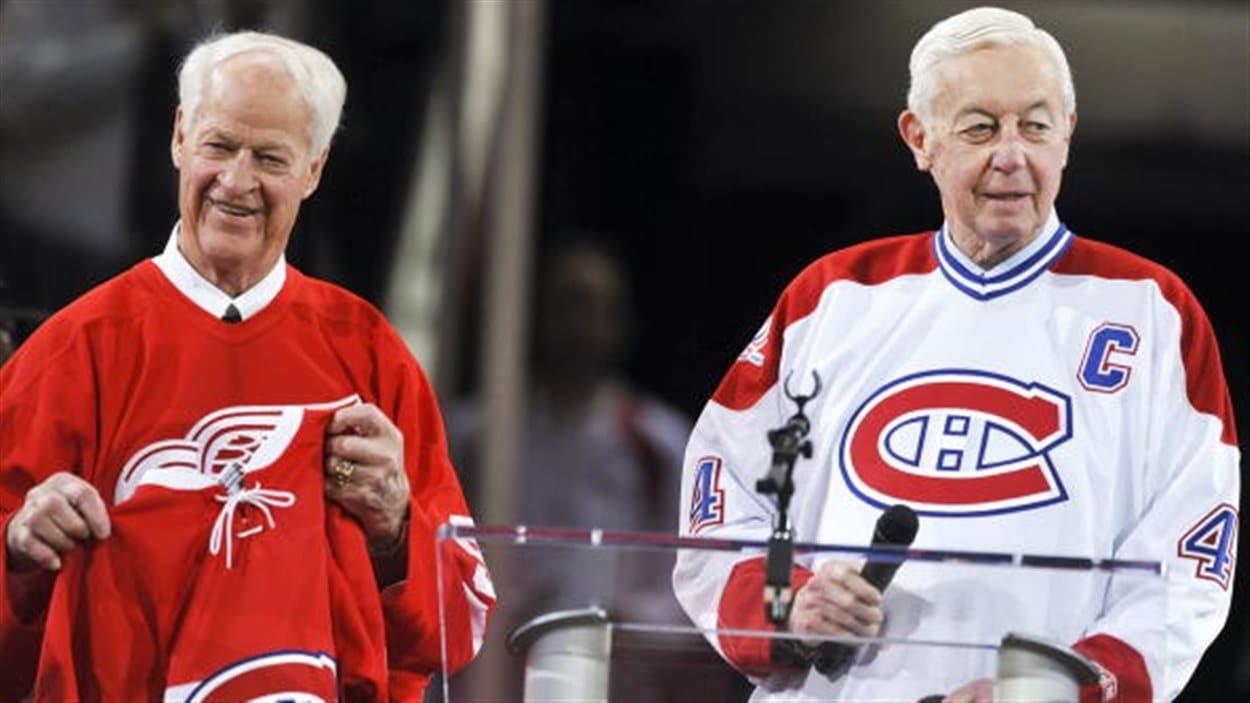 Gordie Howe et Jean Béliveau dans une cérémonie du Centenaire du Canadien au Centre Bell.