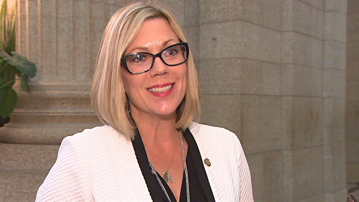 Rochelle Squires, ministre responsable des Affaires francophones du Manitoba.