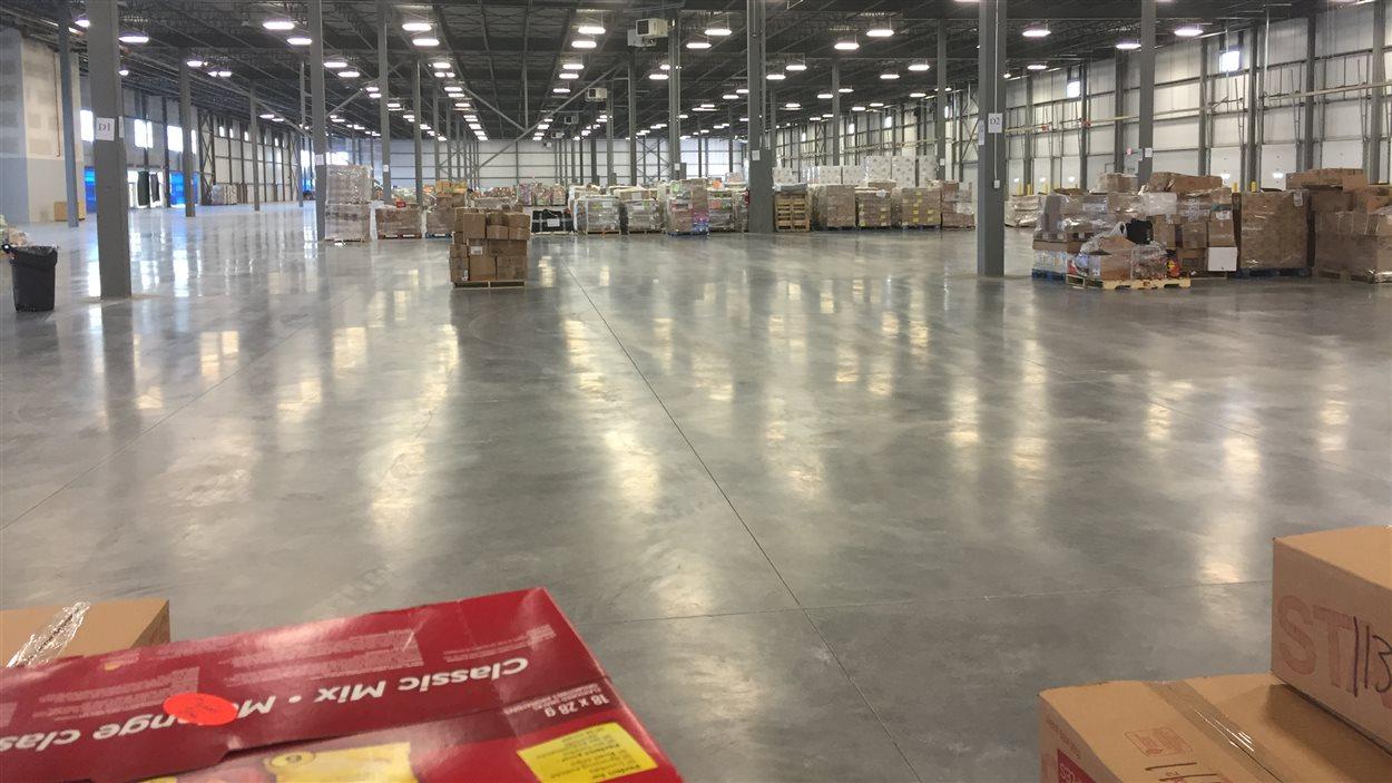 Le nouveau centre de dons pour les évacués de Fort McMurray.