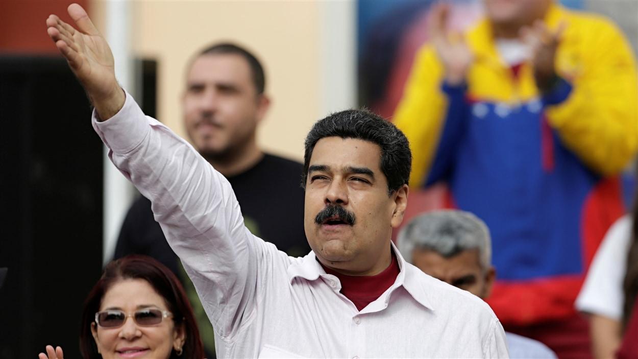 Le président vénézuélien, Nicolas Maduro, a annoncé qu'il n'y aurait pas de référendum pour le destituer avant 2017.