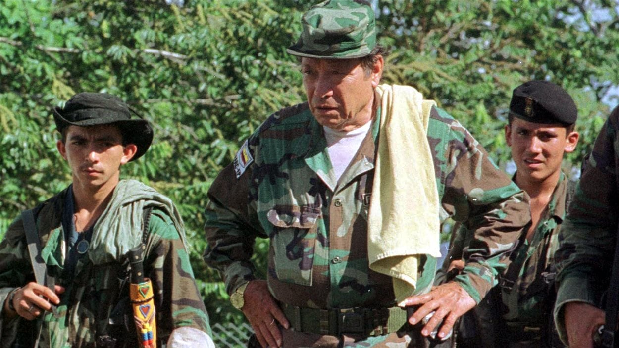 Le chef des FARC, Manuel Marulanda, et d'autres membres de la guérilla
