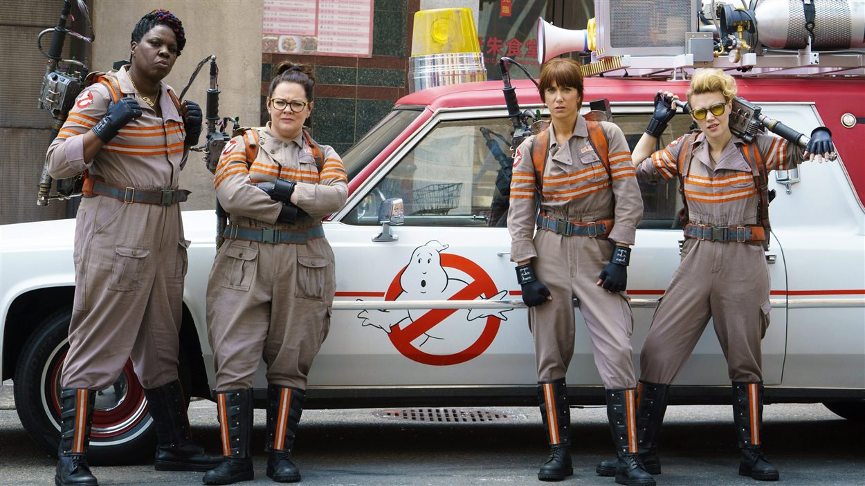 Leslie Jones, Melissa McCarthy, Kristen Wiig et Kate McKinnon dans le film Ghostbusters.