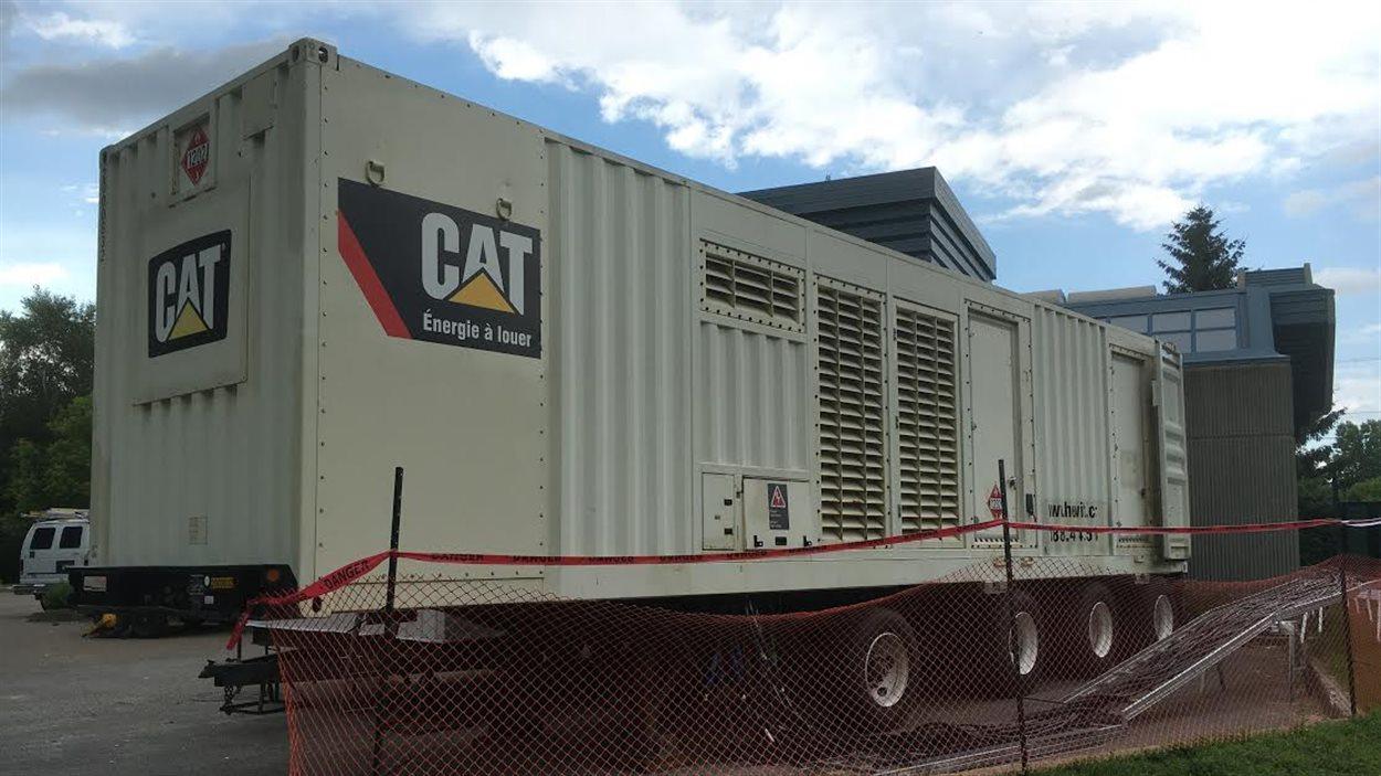 Génératrice pour les réparations de l'usine de filtration de Trois-Rivières.