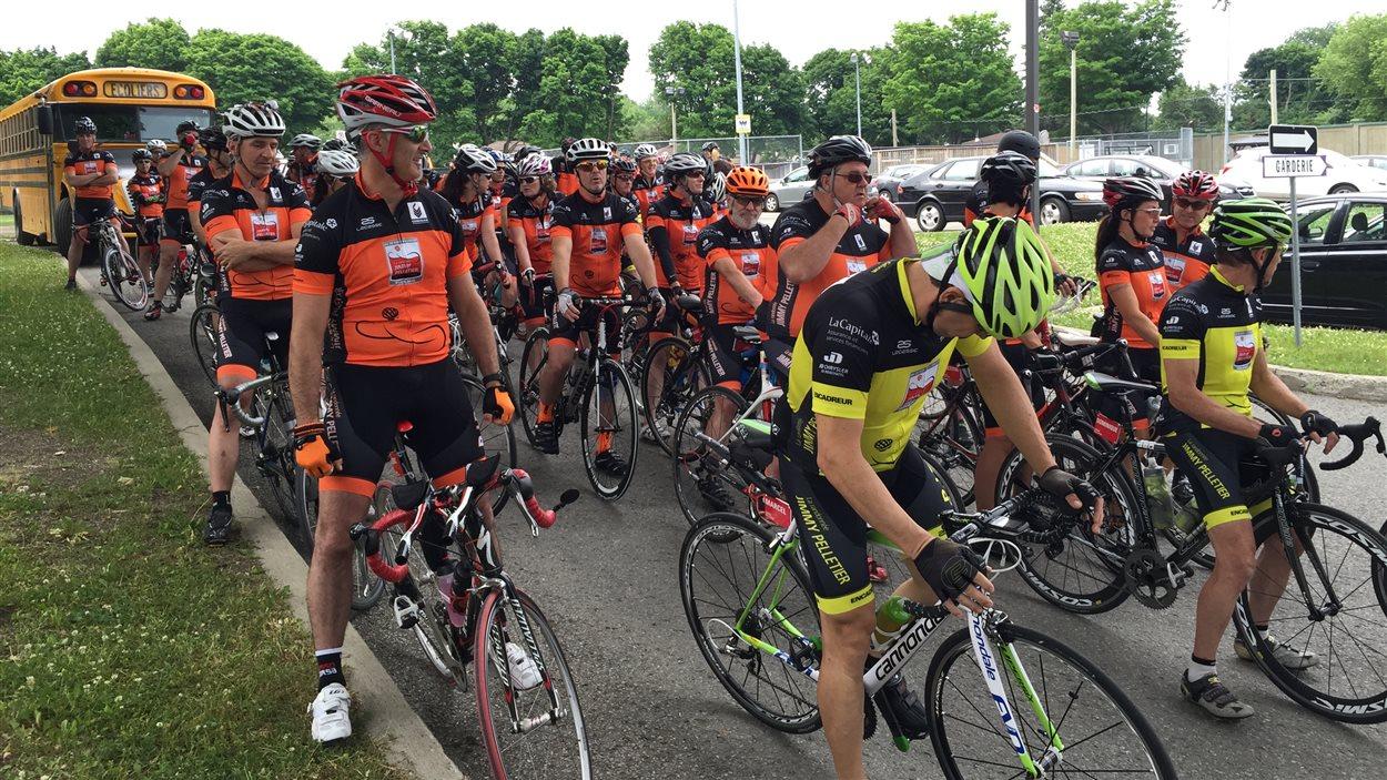 Une soixantaine de cyclistes ont pris de la départ de la 2e randonnée Jimmy Pelletier.