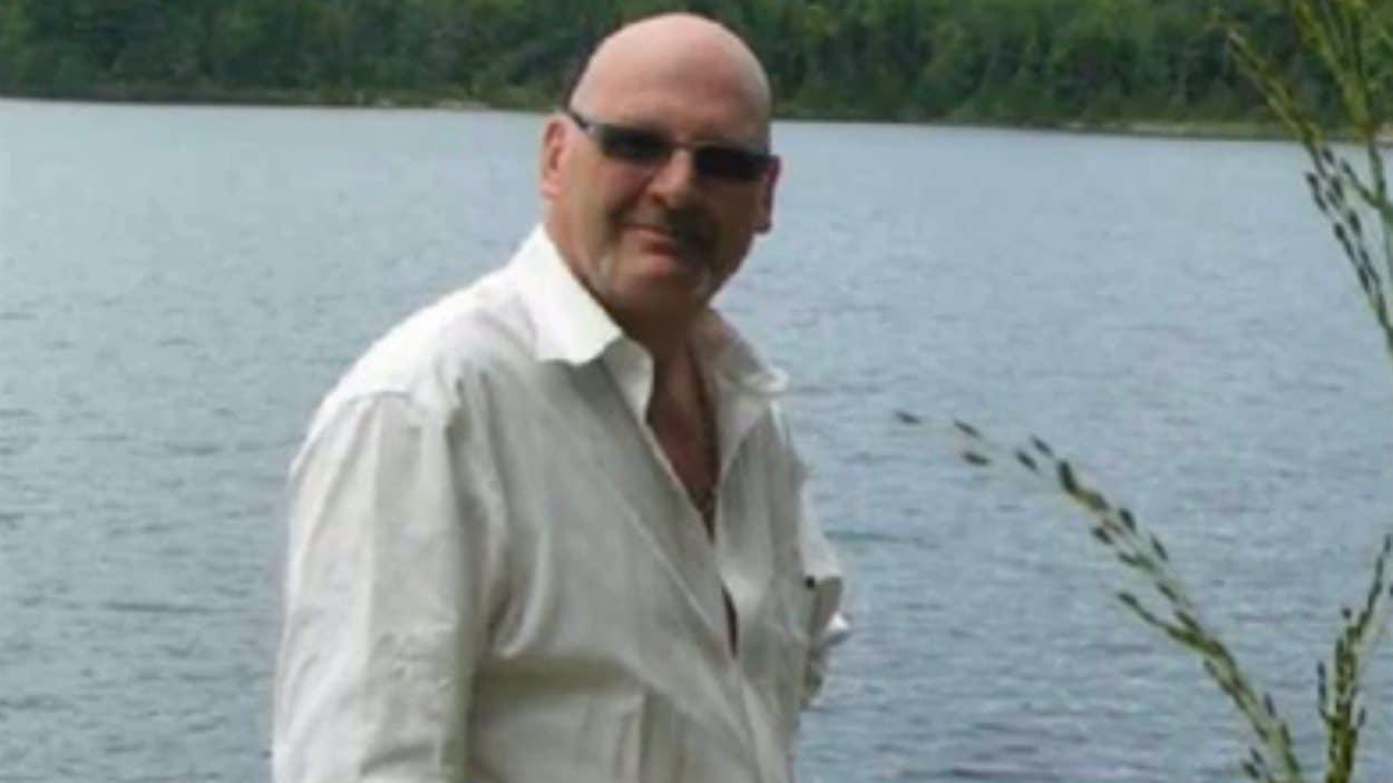 Photographie de Richard Henry Bain utilisée dans sa déclaration publiée sur Facebook le 8 avril 2013, et déposée en preuve par la Couronne.
