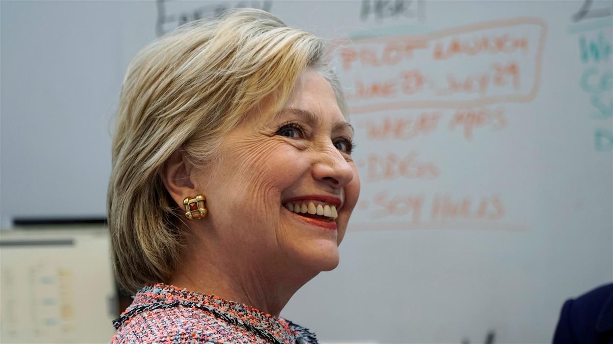 La candidate démocrate, Hillary Clinton, a vite dénoncé le « ton partisan » de ce nouveau rapport.