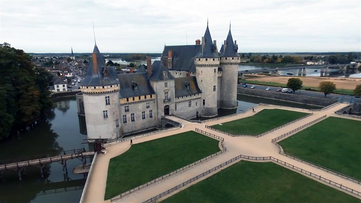 Une visite virtuelle du château de Sully-sur-Loire