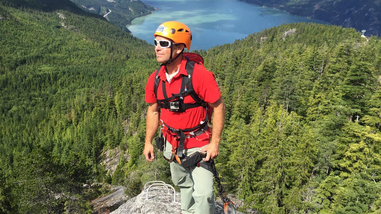 Eric Dumerac, guide en chef de Mountain Skills Academy and Adventures