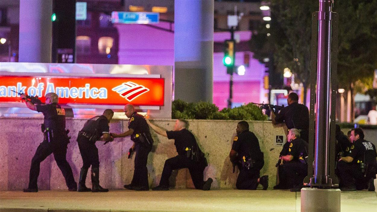 Des policiers à Dallas