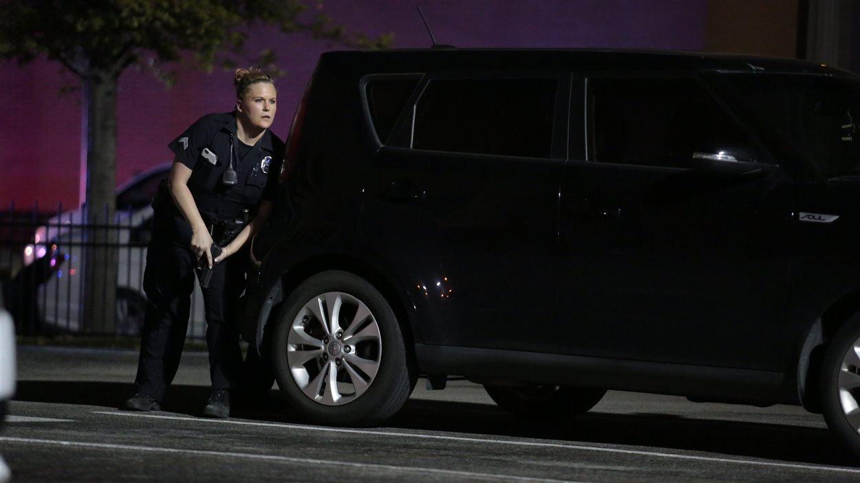 Une policière à Dallas