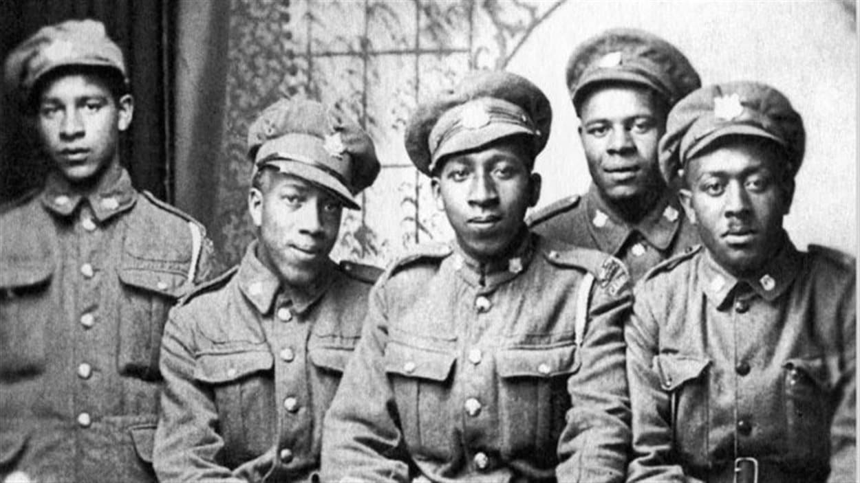 Ancienne photo de soldats