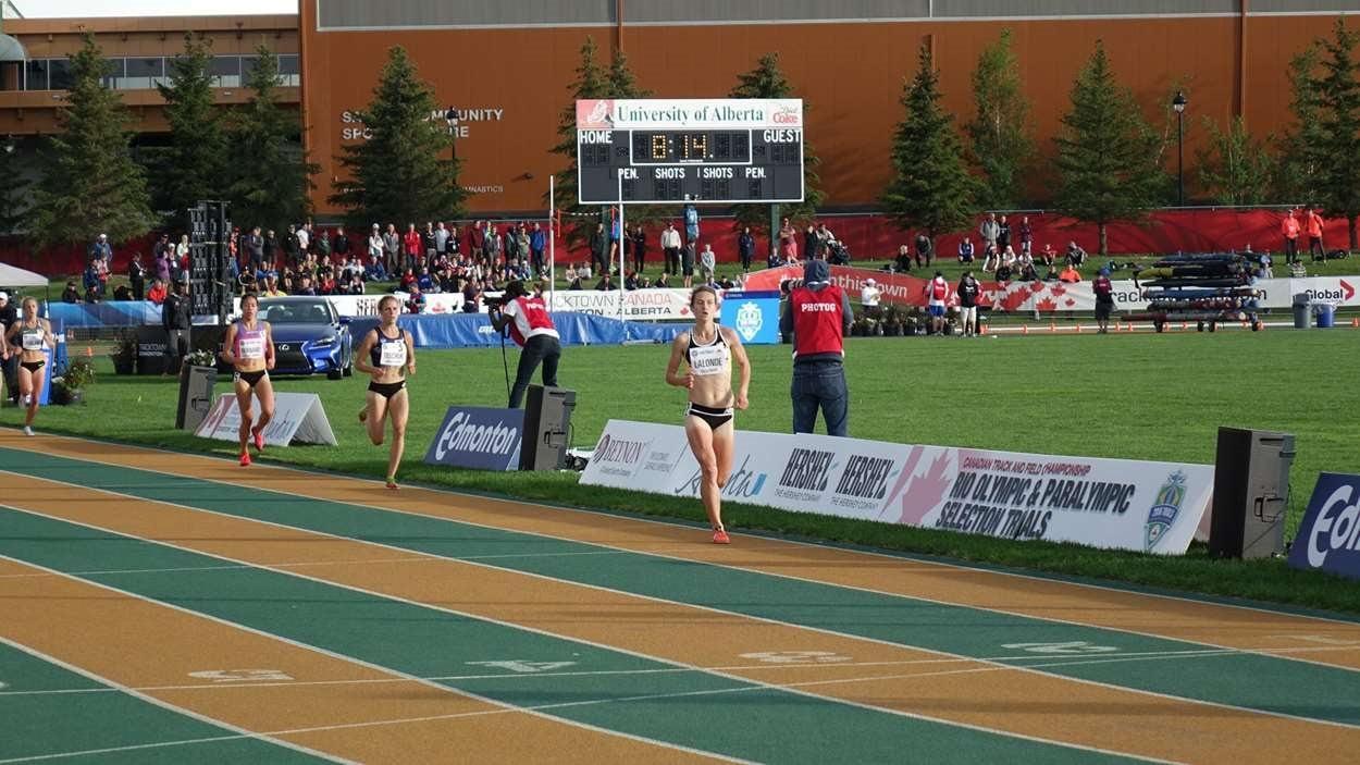 Geneviève Lalonde a mené la course pendant de longues minutes.