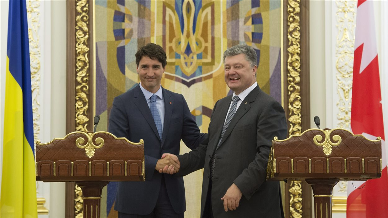 Justin Trudeau et Petro Porochenko lors de la conférence de presse