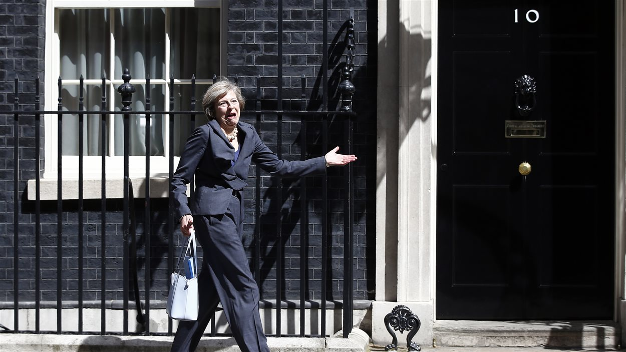 Theresa May devant le 10, Downing Street le 12 juillet 2016.