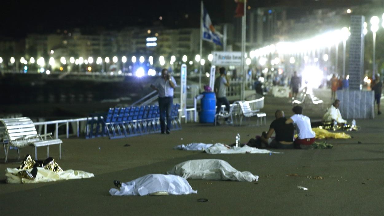 Un chauffeur de camion a fait plusieurs victimes sur la promenade des Anglais à Nice.