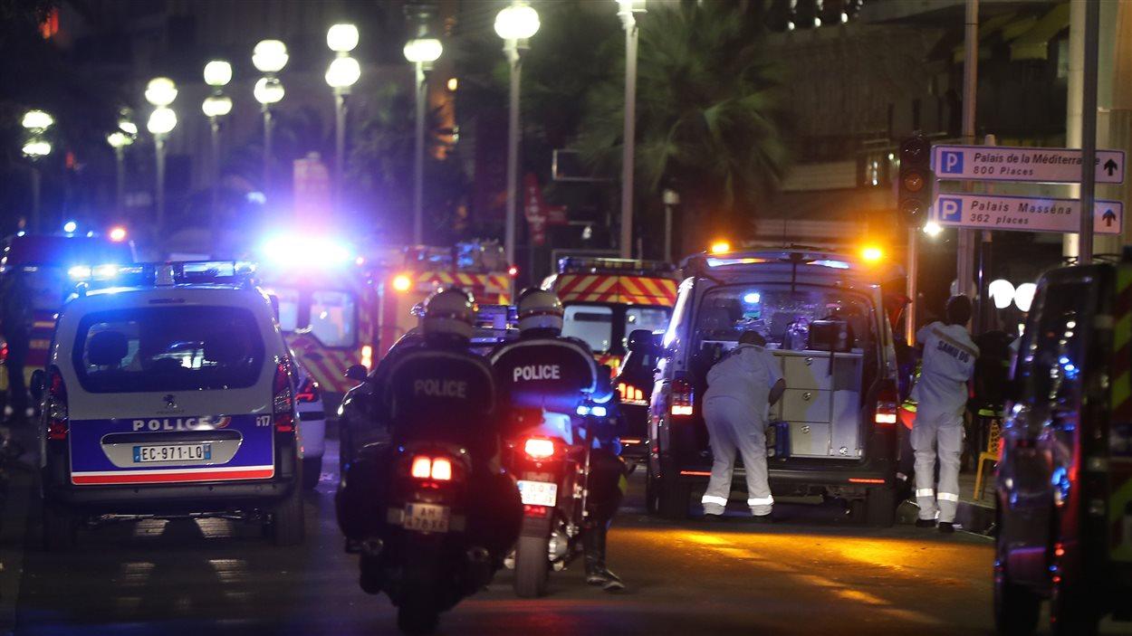 Importante présence policière sur la promenade des Anglais à Nice.