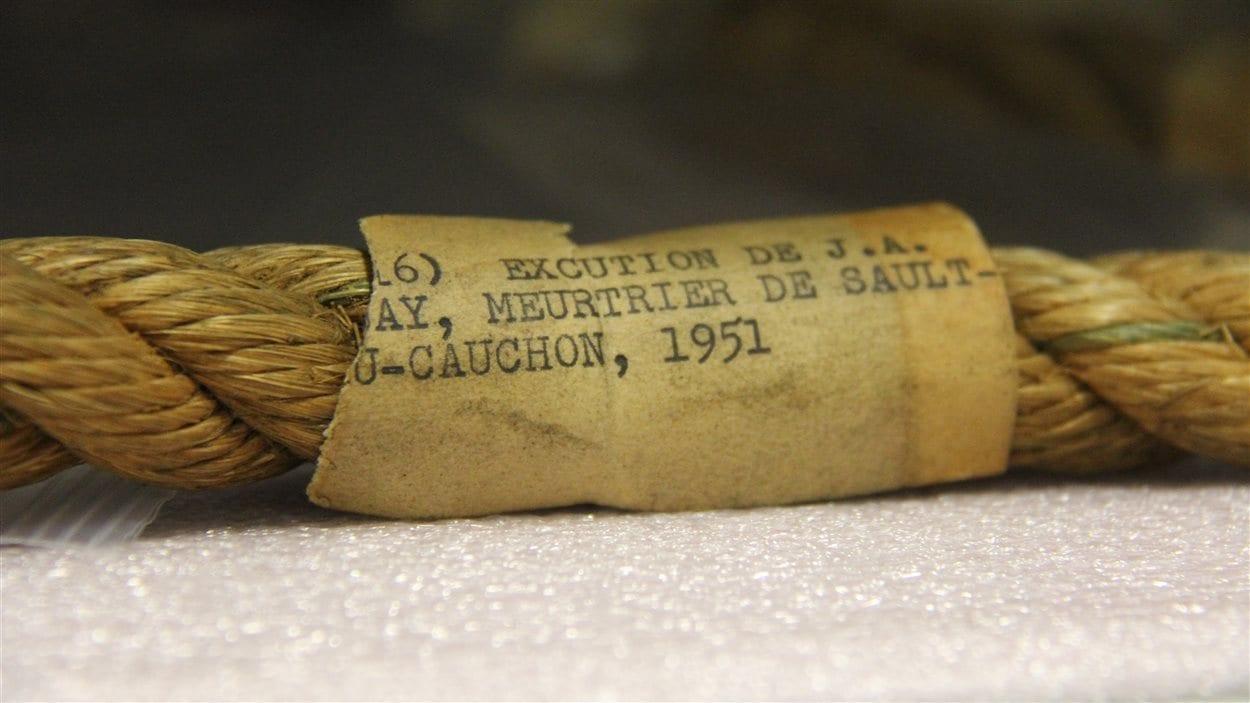Corde de pendaison ayant servi à la mise à mort d'Albert Guay, en 1951, condamné pour l'explosion d'un avion et la mort de 23 personnes à Sault-au-Cochon, en 1949.