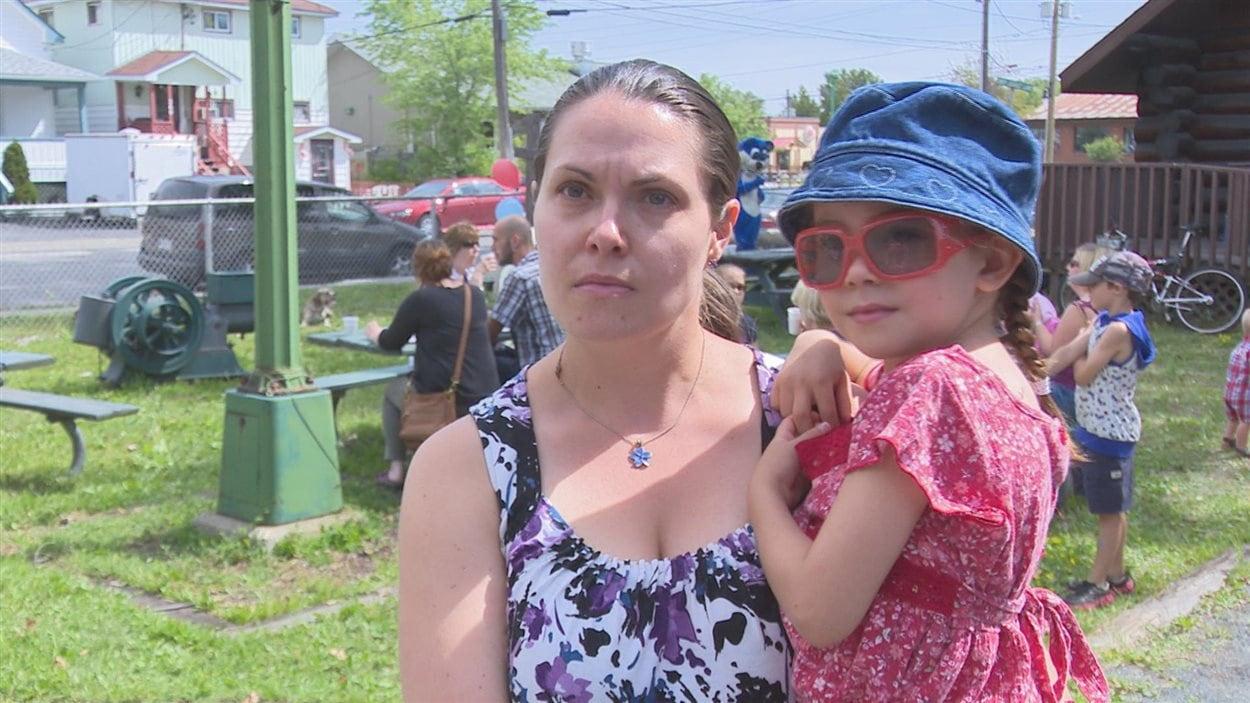 Kelly Rodriguez avec sa fille.