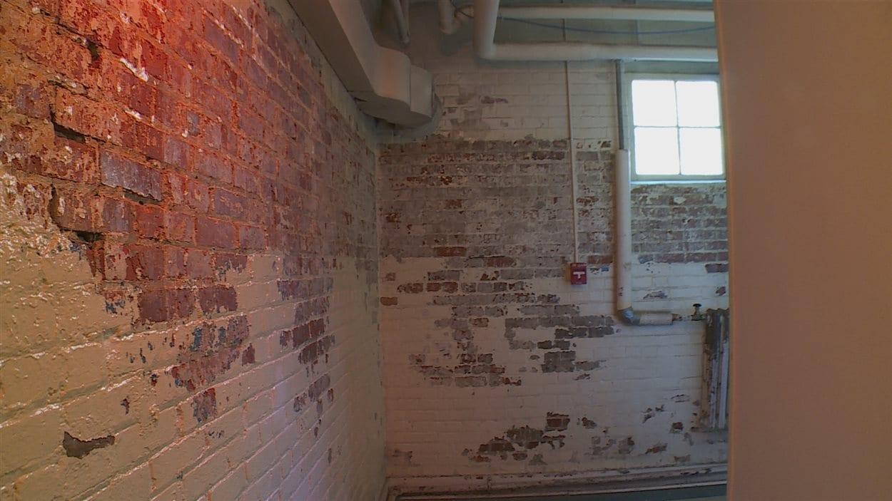 De l'amiante trouvé dans les murs du Ortona Armoury