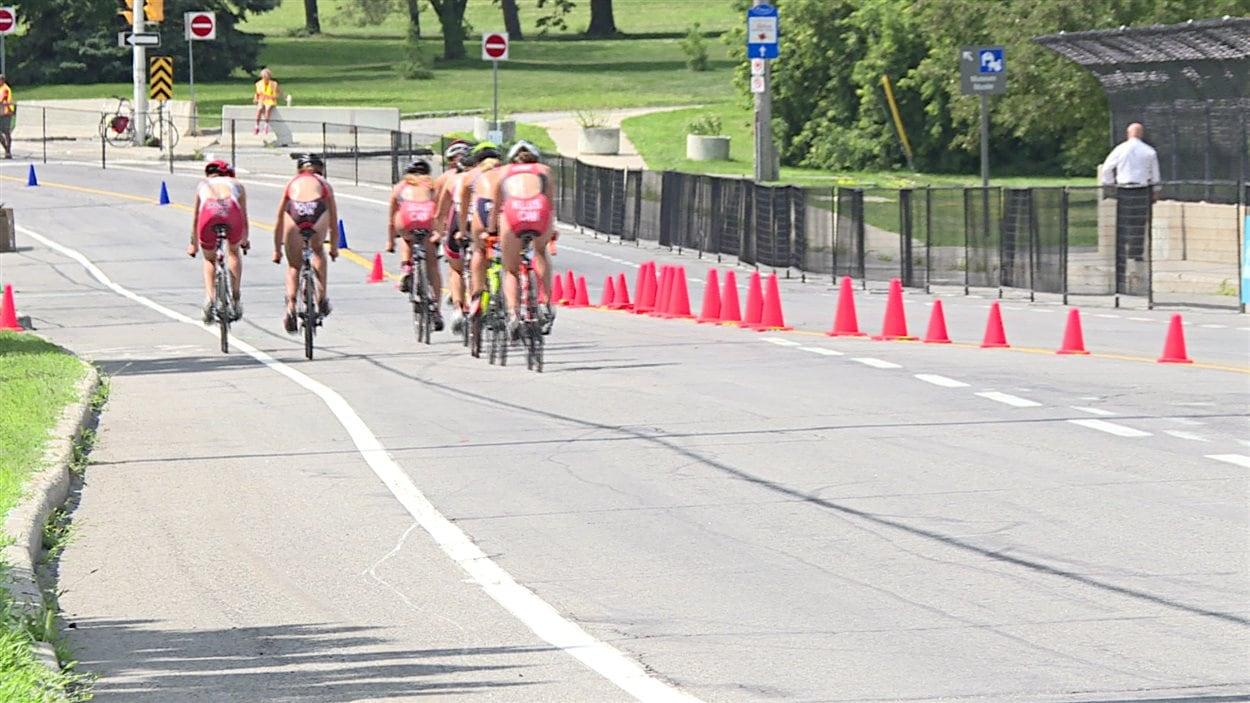 Des participantes au Championnat canadien de triathlon, à Ottawa