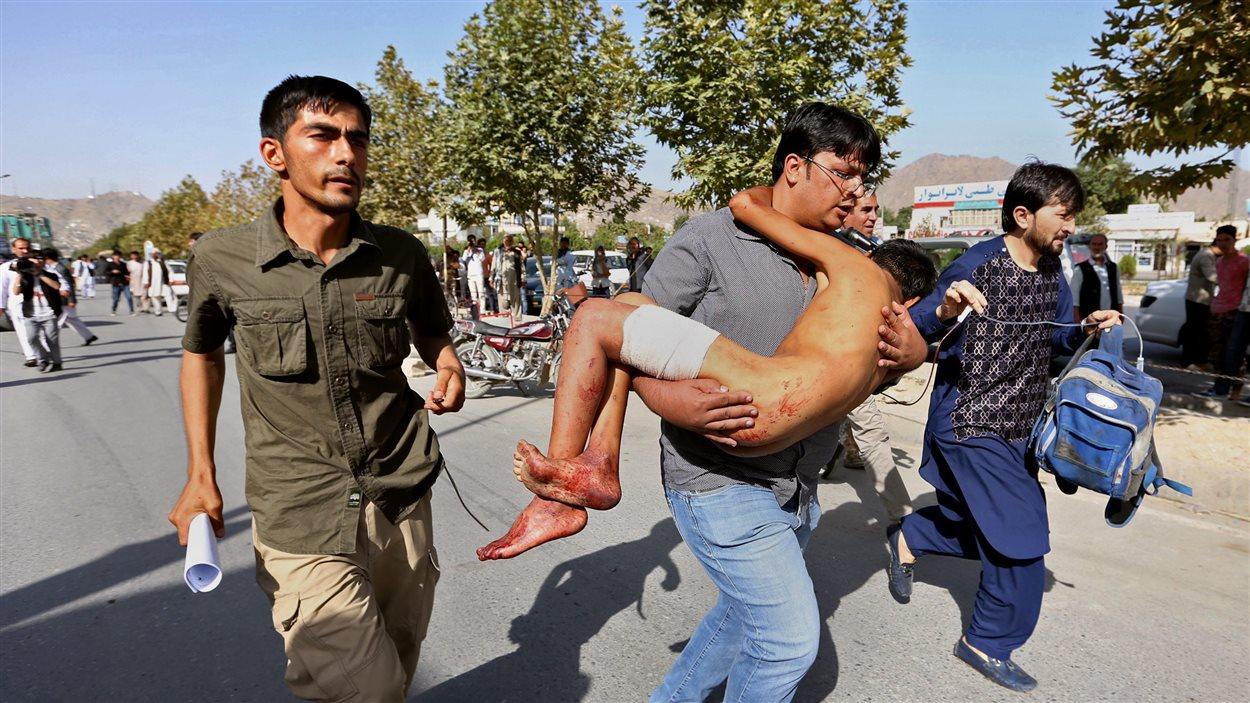 Un attentat lors d'une manifestation à Kaboul a fait de nombreux morts et blessés.